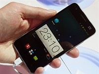 Chinese manufacturers Huawei and ZTE pull ahead in smartphone sales