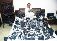 Man breaks own World Record, now owns 4,425 antique cameras