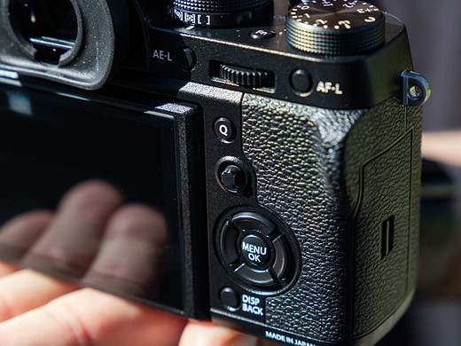 Faster flagship: Hands-on with the Fujifilm X-T2 5