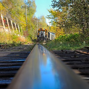 A train was coming (slowly...) in the fall