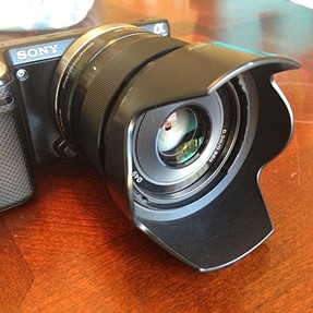 What type of lens hood to choose for Sony SELP1650?
