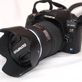 Olympus e-520 w/14-54mm Ver 2 Lens