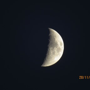 Few days ago i got Canon sx 50. I trie to make a foto of the moon. 50 and 50 + digital zoom.