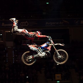 Motocross - Night of the jumps (E-30 + ZD 50-200)