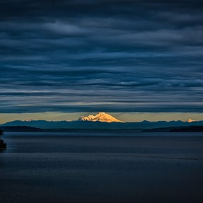 Mt Baker under the clouds
