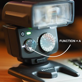 Nissin i40 and OMD E-M1. Possible to wirelessly control Flash Power!