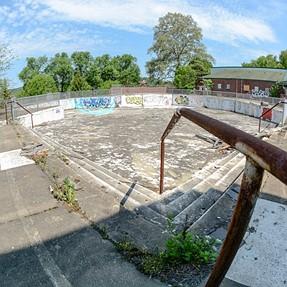 Urbex Pool