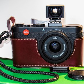 LEICA X2 Case, hand grip and OVF