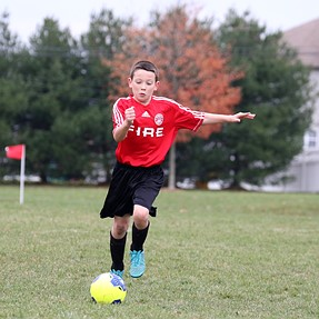 Please help me choose the best soccer kick picture